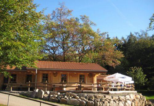 Große Terrasse an der Eisenberghütte