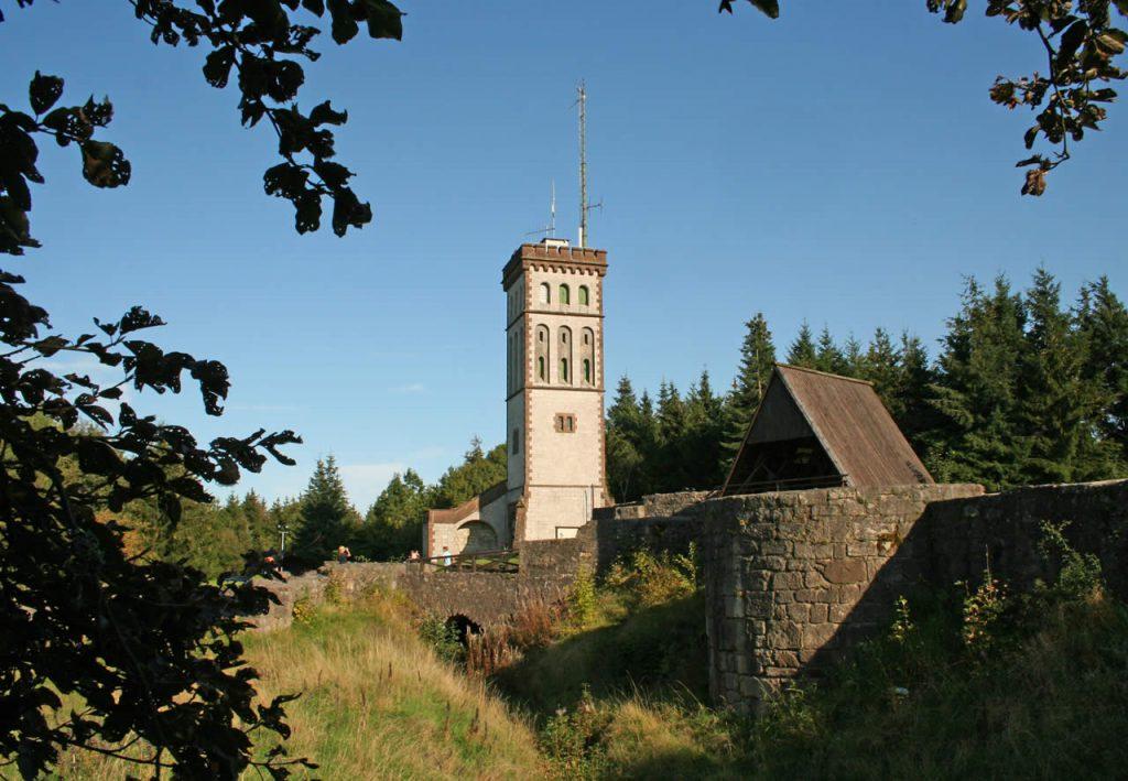 Blick vom NW Weg auf Georg Viktor Turm