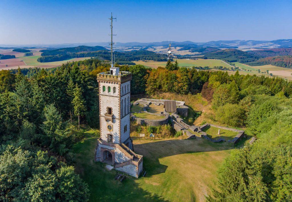 Georg Viktor Turm mit Burgruine