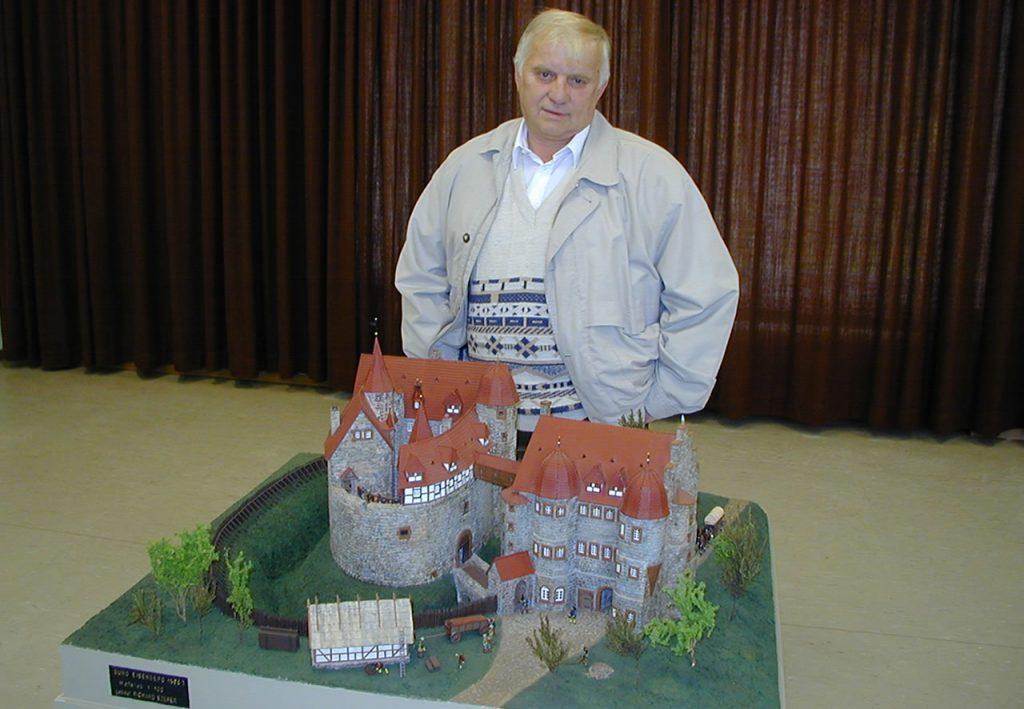 Modell Burgruine Eisenberg Richard Szerer